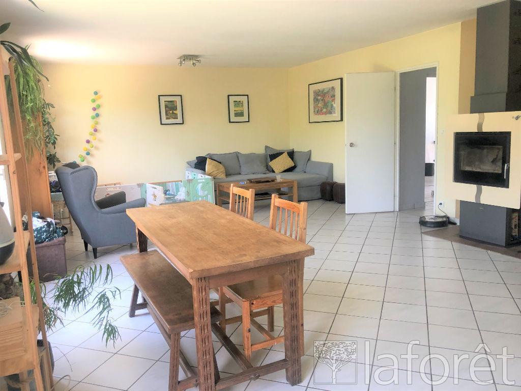 Location maison / villa Villefontaine 1250€ CC - Photo 4
