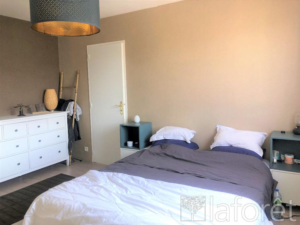 Location maison / villa Villefontaine 1250€ CC - Photo 5